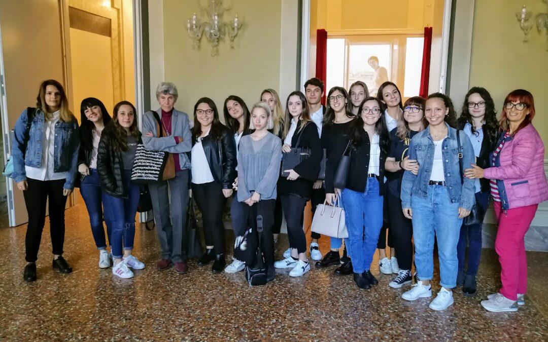 """La 4C linguistico con Biancamaria Frabotta per """"Il dolce rumore della vita"""""""