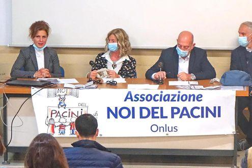"""La Onlus """"Noi del Pacini"""" dona strumenti tecnologici all'Istituto"""